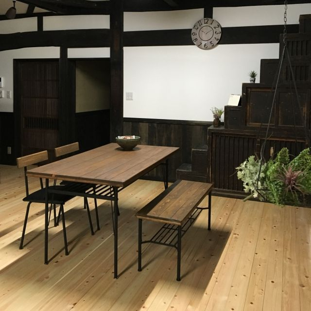212ukさんの、RC山梨支部,My Desk,ダイニング,ダイニングテーブル,時計,無垢材,塗り壁,築100年,日本家屋,古民家再生,リノベーション,和風,漆喰,古民家,ニコアンド,いなざうるす屋さん,のお部屋写真