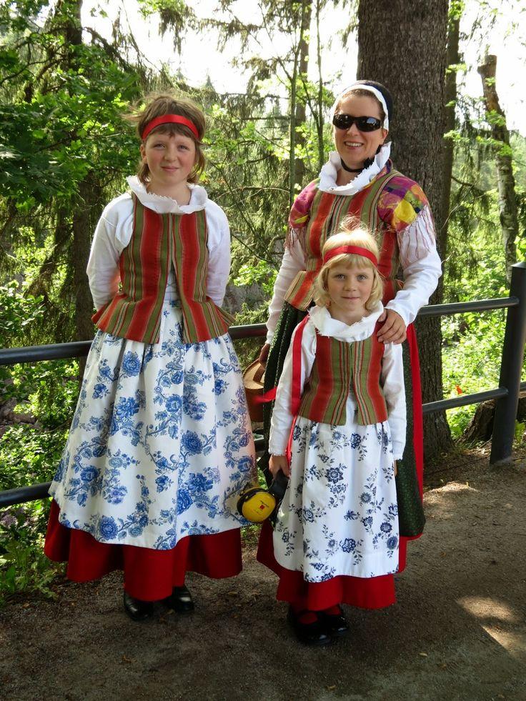 Paula Kiviluoma Karjala-lehti - Finland