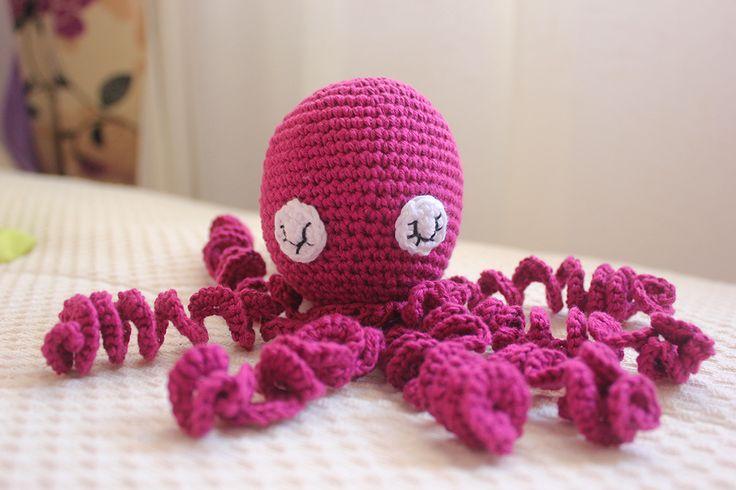 Pulpos de crochet solidarios Iniciativa para ayudar a los niños prematuros gracias a los amigurumis de pulpo
