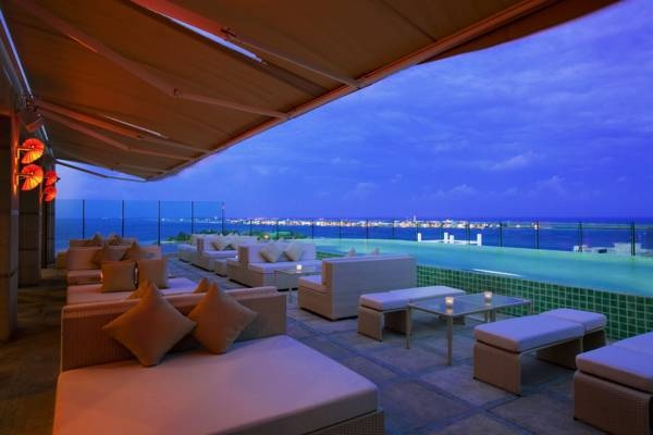 $ 320/Night Traders Hotel Male - Boasting a rooftop infinity pool overlooking the #Indian Ocean in #Male's business district #Maldives. http://VIPsAccess.com/luxury-hotels-maldives.html