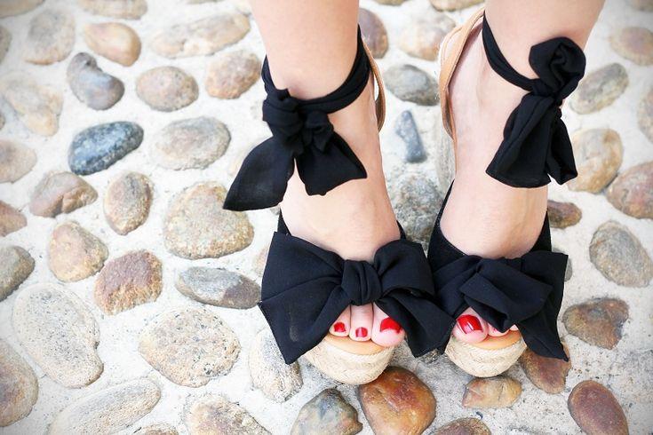 scarpe bonton con zeppa nera e smalto rosso dior