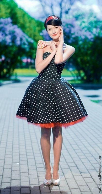 Платье в стиле 60-х с пышной юбкой купить