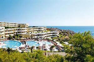 Griekenland Rhodos Kalithea  Aan de zwembadbar van hotel Kalithea Horizon Royal wacht een lunch met verse zalm of een pizza die direct uit de oven komt. Ook in het de restaurant van het hotel is het eten verrukkelijk. Trek er...  EUR 531.00  Meer informatie  #vakantie http://vakantienaar.eu - http://facebook.com/vakantienaar.eu - https://start.me/p/VRobeo/vakantie-pagina