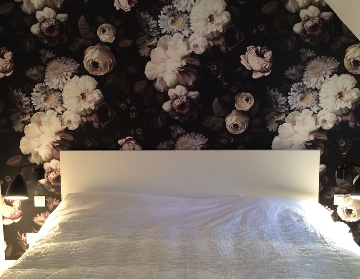 Bedroom with Floral wallpaper from Ellie Cashman