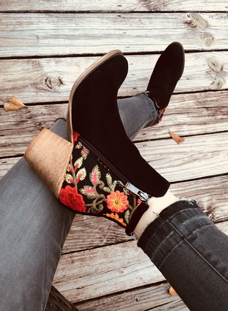 I am in love with these embroidered boots from Robbie + Co!