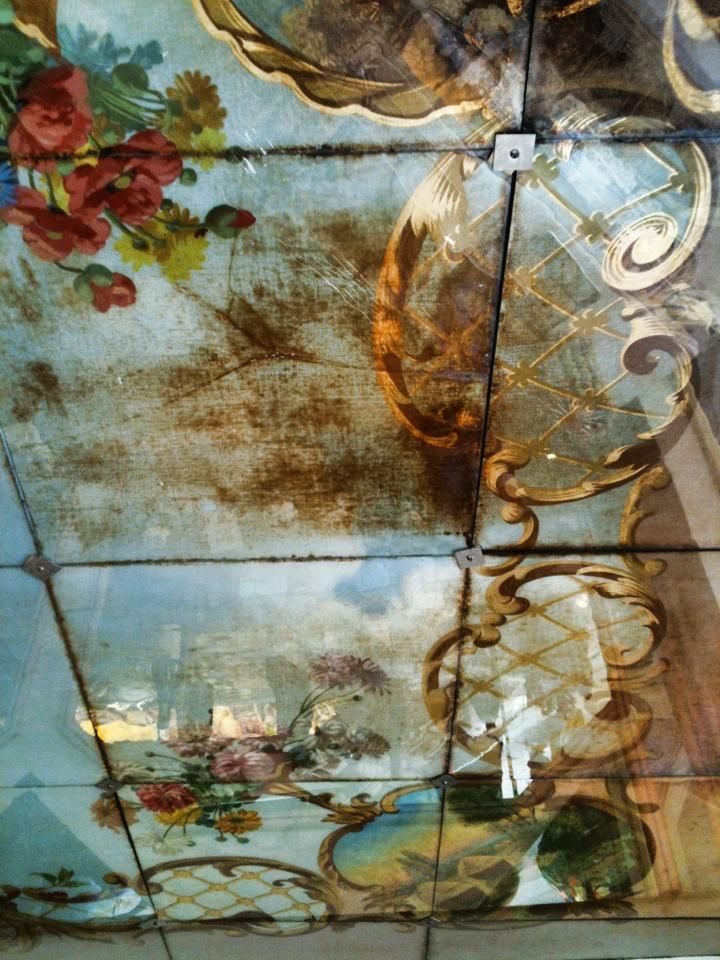 Verre eglomisé (from the French term meaning glass gilded), hand painted ceiling in France | Photo: Corey Amaro