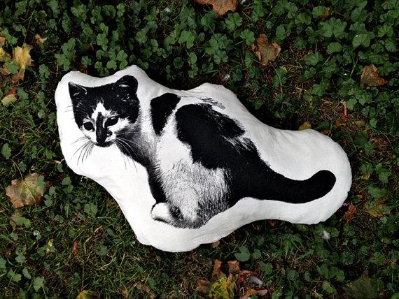 Pillow black cat by mamamasza on Etsy, $35.00
