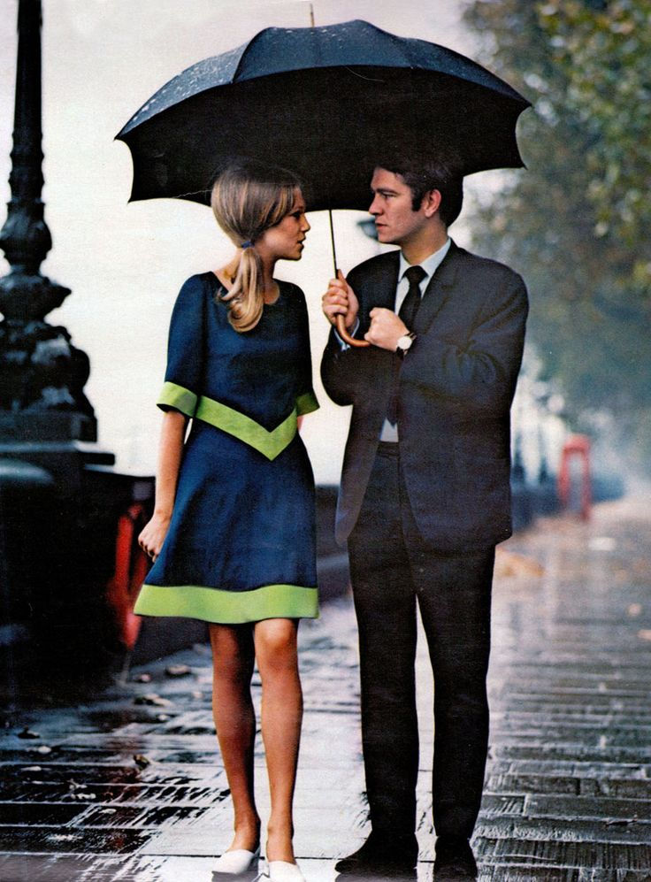 under the rain: love the feel of this image: Fashion, 60 S, Style, London, Dresses, Couple, 60S, Rain