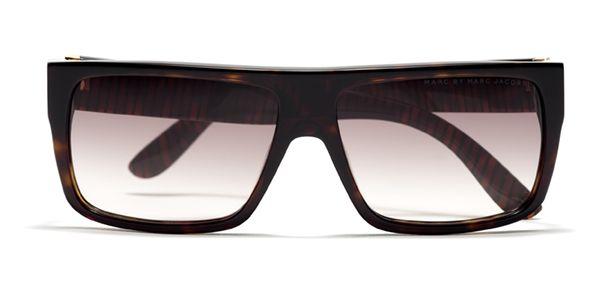 Gafas de sol Marc by Marc Jacobs 210087 Las gafas de sol de hombre de Marc by Marc Jacobs 210087 ofrecen máxima protección contra los rayos UV. Pruébatelas en tu óptica #masvision más cercana.