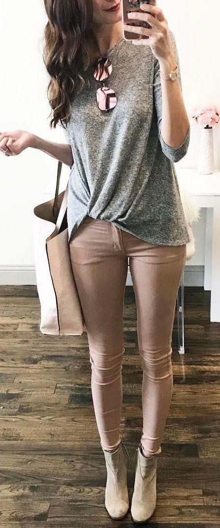 Grey Knit / Tan Skinny Jeans / Beige Suede Booties / Cream Leather Tote Bag