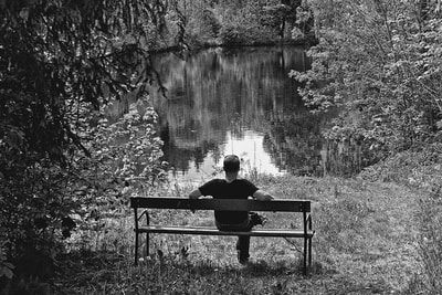bwstock.photography - photo | free download black and white photos  //  #Rest #Pond #Bench