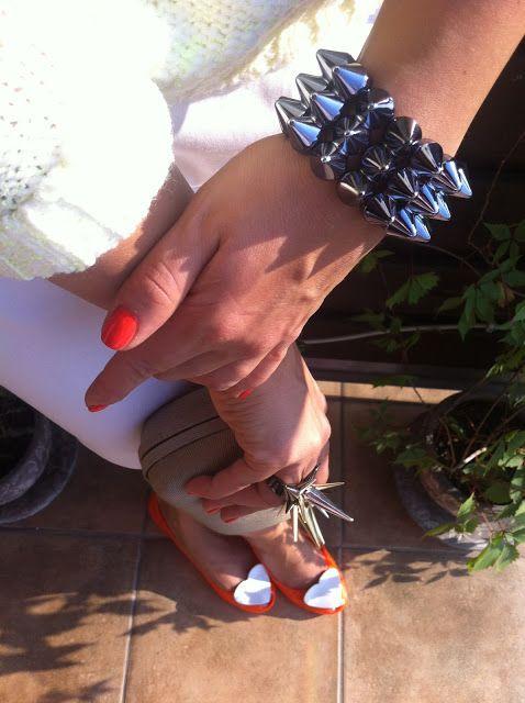 Shoes Merg.pl, Bracelet Cropp, Sun Glasses Brylove, Cutch Parfois