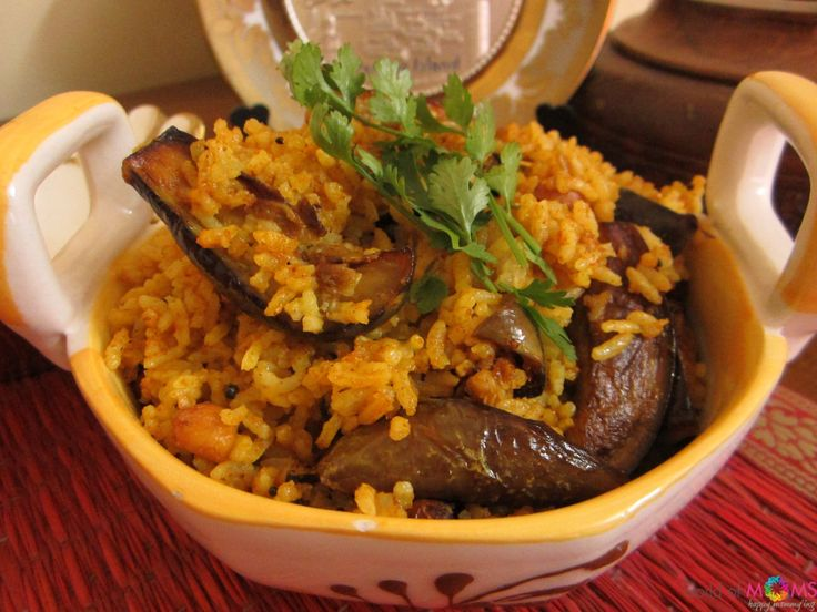 Vaangi Bhath / Vangi bhaat / vangi baath or simply put, eggplant rice / brinjal rice is a delicious dish prepared with a lot of spices. This version of vaangi baath is a healthier version which makes use of brown rice. The dish, redolent of freshly ground spices with a golden hue from the turmeric and succulent pieces of well cooked tender brinjals is a wonderful treat for your whole family.