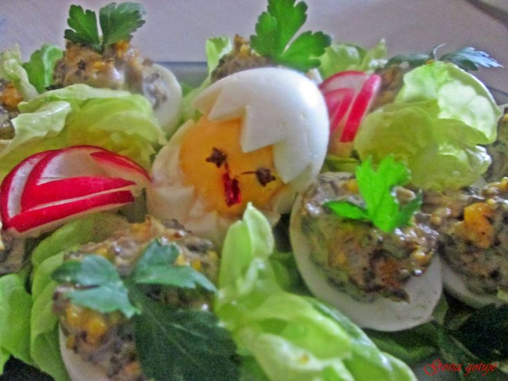 Gosia gotuje...: Jajka faszerowane pieczarkami