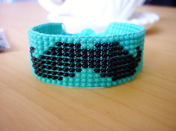 Moustache bead loom bracelet made with seed beads :) http://thecornerofcraft.etsy.com