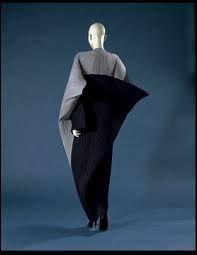 #IsseyMiyake #Trends #Look #1990s #Minimalist #mafash14 #bocconi #sdabocconi #mooc #w3