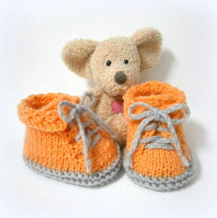 Chaussons bébé chaussures orange et grises, naissance à 3 mois Tricotmuse