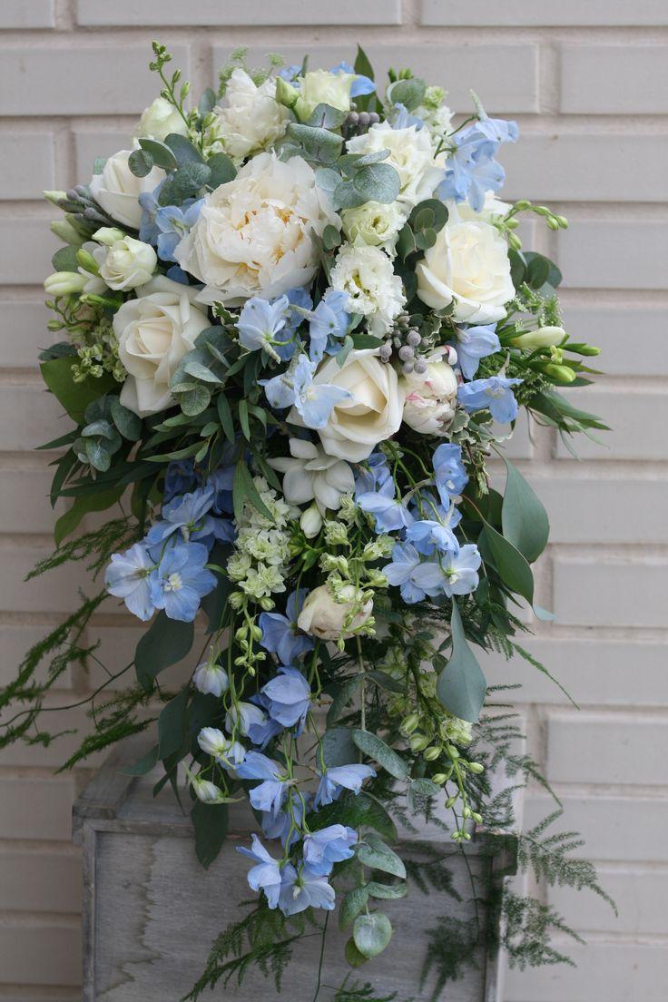 best 25 delphinium bouquet ideas on pinterest delphinium wedding flower pictures cornflower. Black Bedroom Furniture Sets. Home Design Ideas