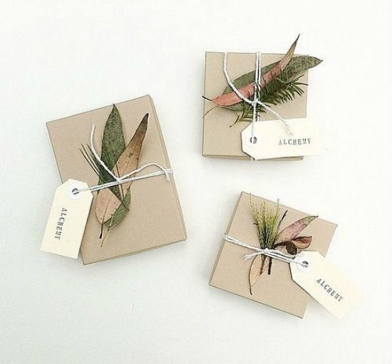 100 christmas ideas / 5 themes / get inspired! Beautiful natural gift wrap by alchemy.