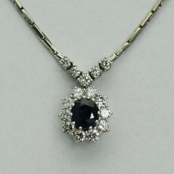Lant cu pandantiv de aur alb 14k cu safir si diamante