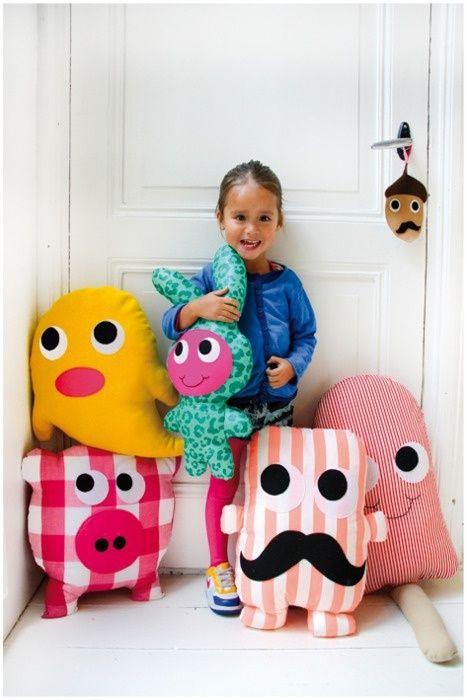 Coussins personnages en tissu DIY cushions/pillows