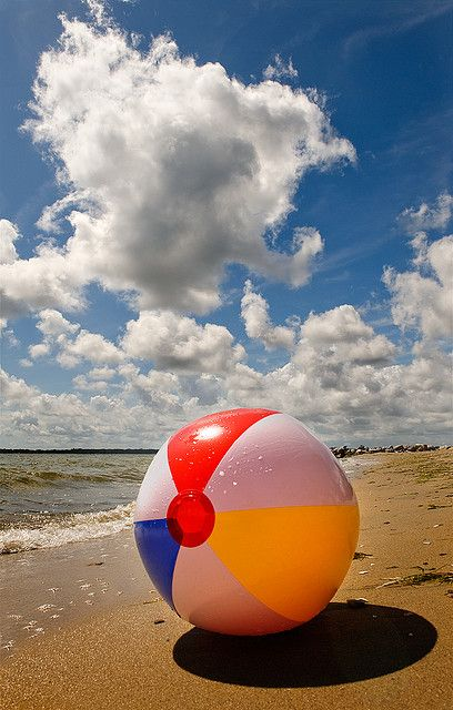 Perfectly Ideal Beach Scenario -=- Perfect Weather, Smooth Sand :: FUN Times are Here !!