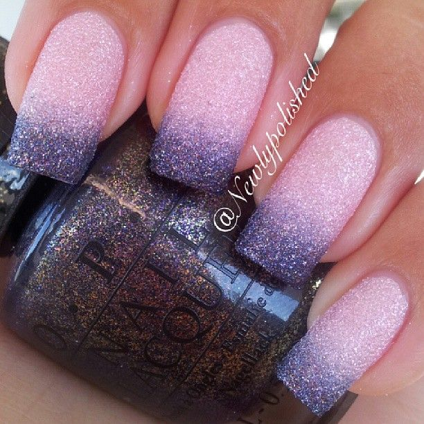 Ahhh I love this liquid sand gradient!! Doesn't it look just like sugar!? I almost want to eat my nails ... Colors used: @opi_products @opisverige Pussy Galore and Alcatraz... rocks!  /Elli