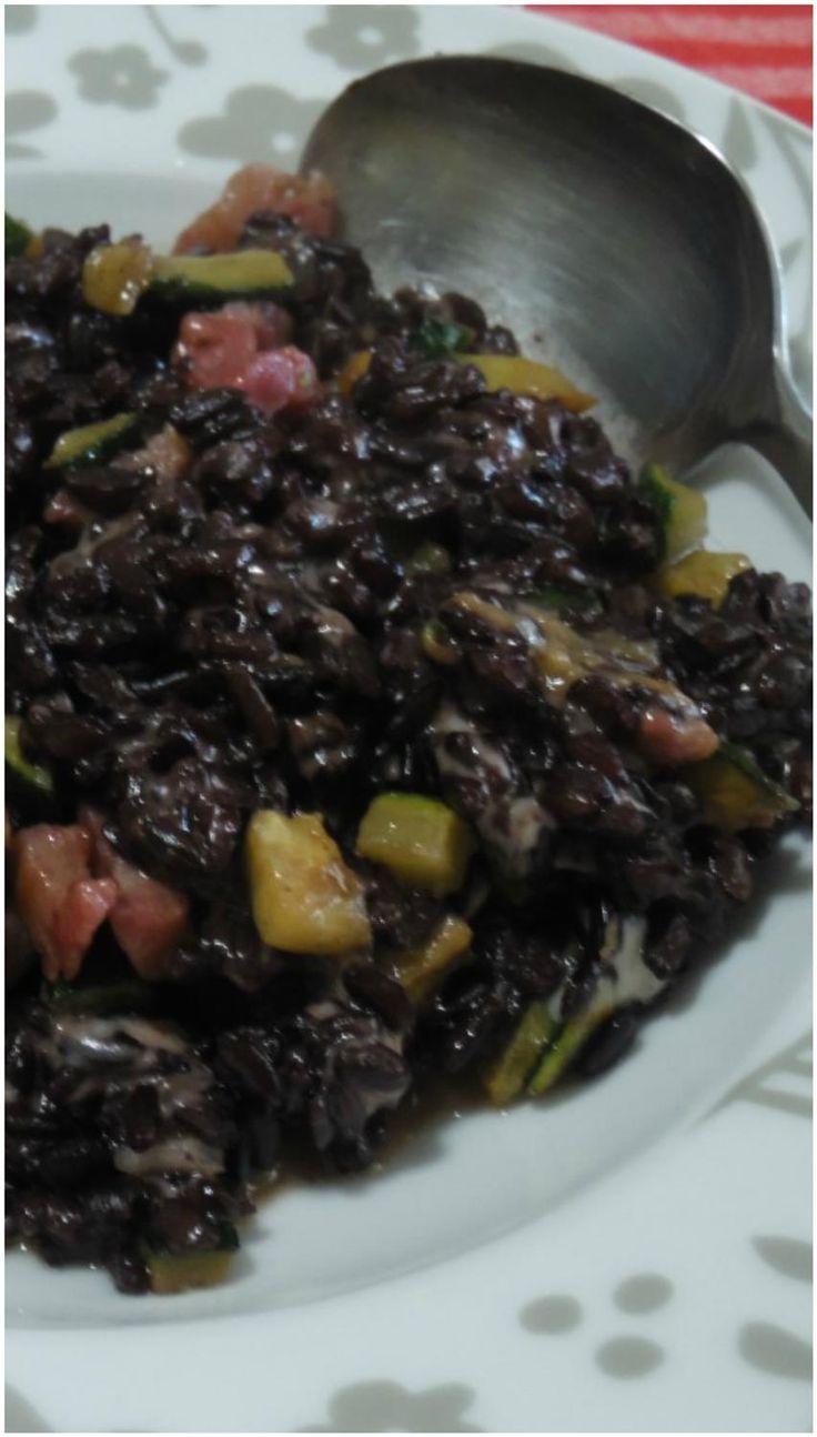 Riso nero integrale con zucchine e scamorza ! #riso #risonero #risointegrale #risonerointegrale #zucchine #scamorza #ricettegustose
