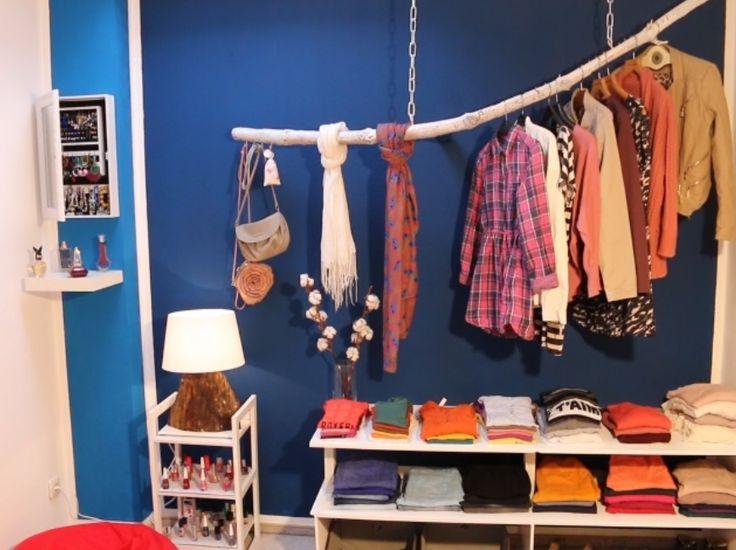 Cute Kleiderstange aus einem Ast Die Upcycling Alternative zum Kleiderschrank