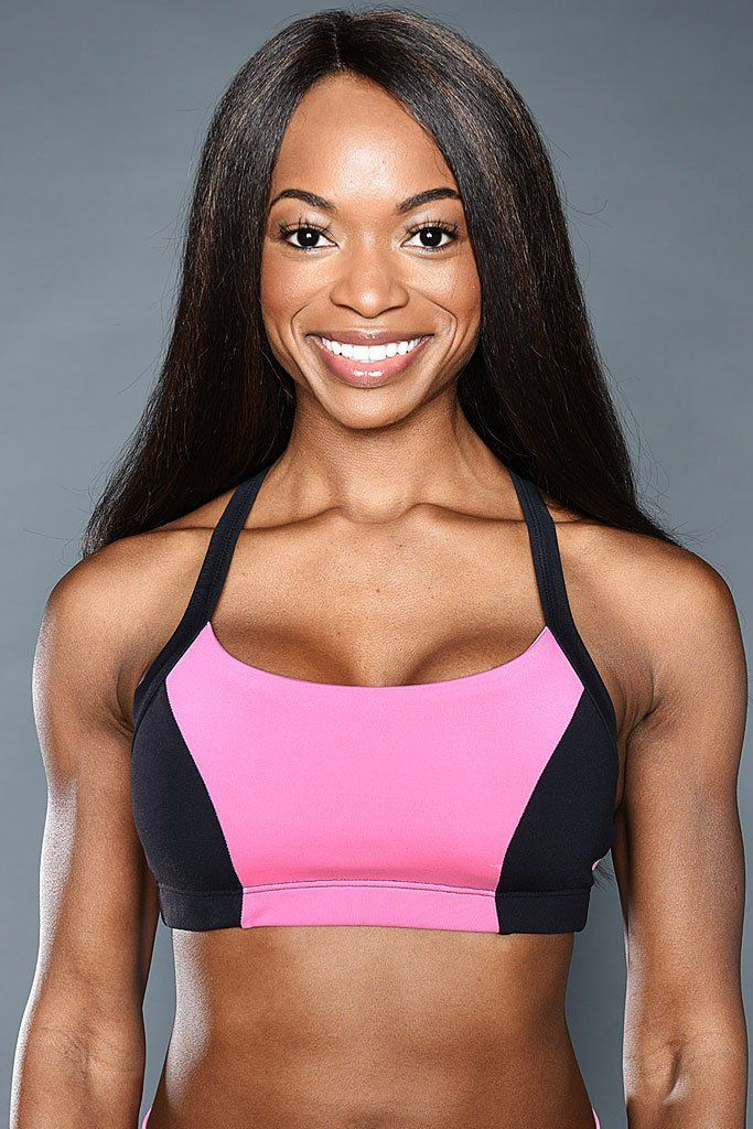 71d4f4995131f The Bubble Gum Sports Bra adds pop of playful pink to any workout!  fitness   activewear  pink  black  sportsbra  women  gym  workout  style