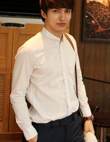 Today's Hot Pick :High Necked Checkered Shirt http://fashionstylep.com/SFSELFAA0011864/top3666en1/out High neck and well-appointed, this shirt is one for a man of discerning tastes. With its classic checkered pattern and slim fit, this shirt will look particularly good with slim cotton pants, a light jacket, and Derby leathers. - High neck shirt - Granddad collar - Front button closure - Long sleeves - Grid checkered pattern - Colors: White, Gray, Blue