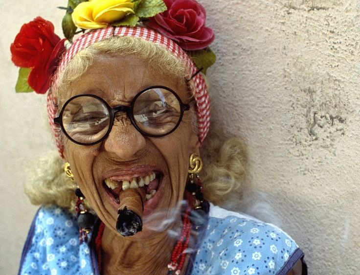 20 best Abuela cubana con puro / Old cuban lady with cigar ...
