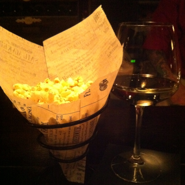 Truffle oil + popcorn + parmesean + Salt & pepper = A seriously ...