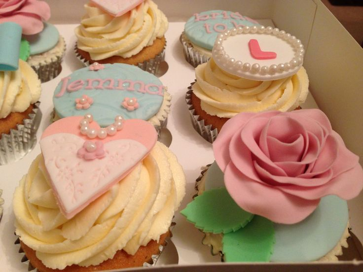Vintage hen party cupcakes/ hen do cupcakes