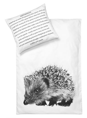 Baby Bedlinen Hedgehog.  How cute is this!  The whole website has adorable bed linens for kids and adults, throws, glassware, and other adorable things.  This is happening.