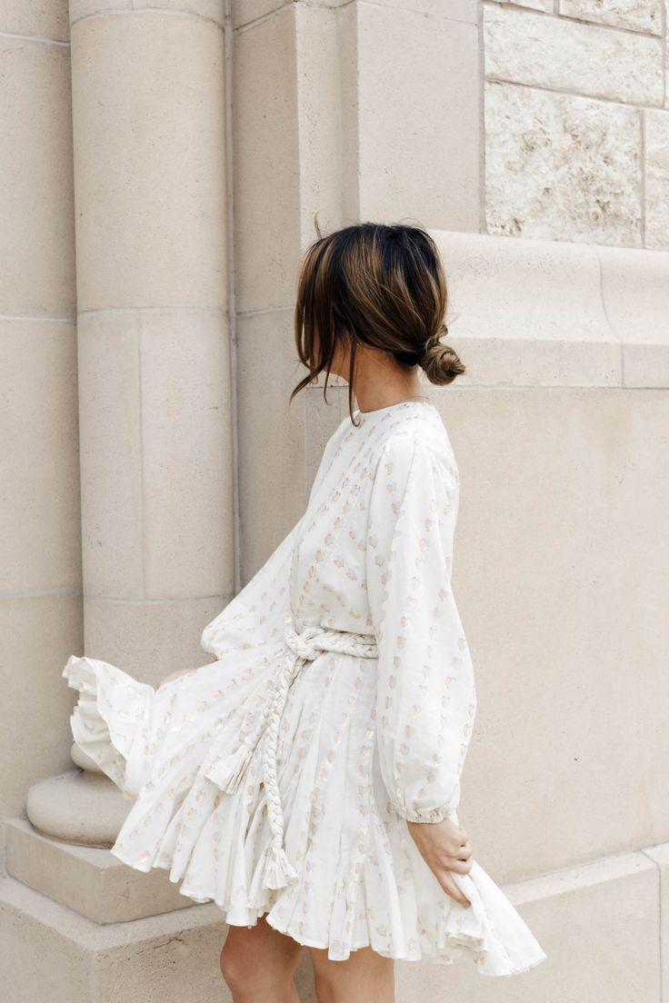 Minimal Chic Summer Outfit Ideas Ootd Summerstyle Chic Summer Outfits Cute White Dress Fashion [ 1104 x 736 Pixel ]