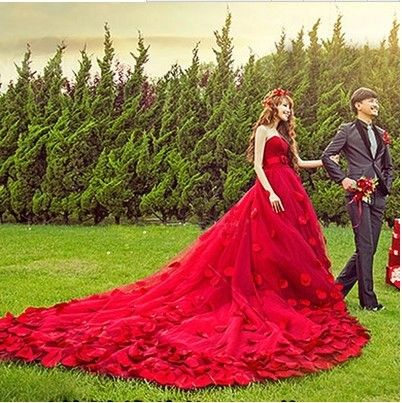 2017 새로운 스튜디오 테마 의류 브라 웨딩 드레스 커플 사진 서비스 위치 촬영 후행 빨간색