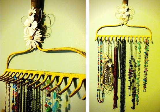 LOVE this idea! Reduces the need for such a large jewelry box which makes more room for crafty ideas :)