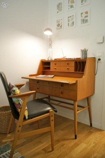 Skrivbord med byrå i teak 50-60-tal
