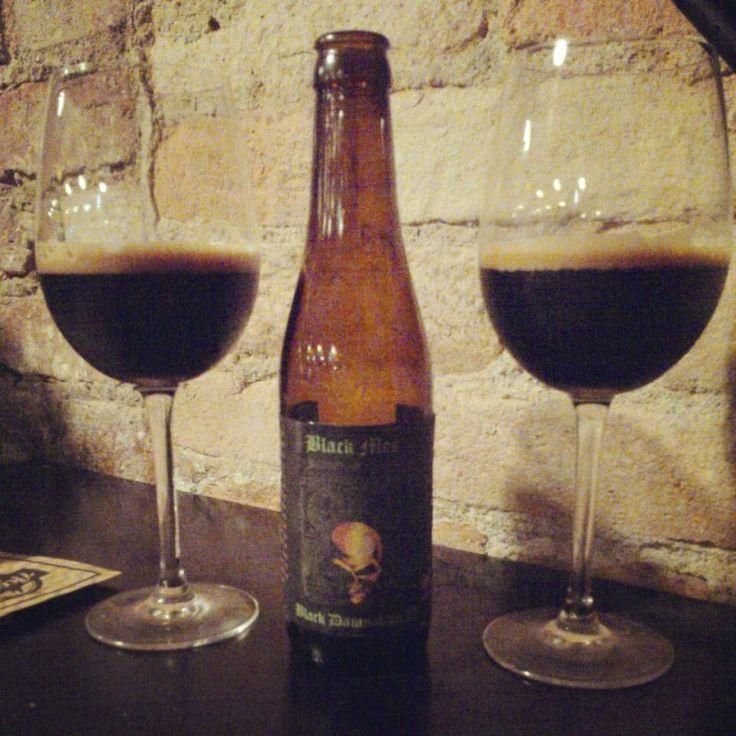 Cerveja Black Damnation III - Black Mes, estilo Russian Imperial Stout, produzida por De Struise, Bélgica. 13% ABV de álcool.