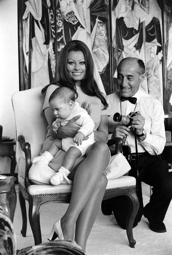 Sophia Loren holds her newborn son, Carlo Ponti Jr., in ...
