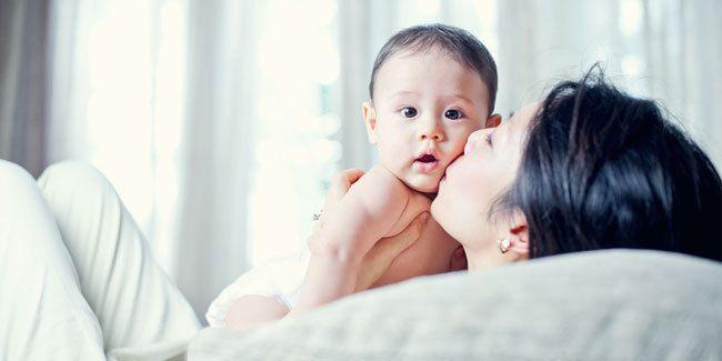 Vemale.com - Sebagai seorang ibu dan juga seorang wanita karir, tentunya akan sulit untuk meluangkan waktu memberi ASI.