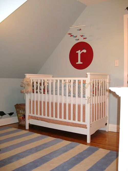 We love the combination of red and pale blue. #blue #nursery: Vinyls Monograms, Red Wall, Wall Decals, Baby Boys, Projects Nurseries, Red And Blue, Cribs, Nurseries Ideas, Blue Nurseries
