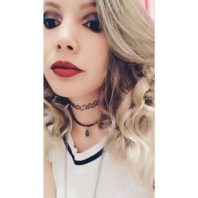 👧💄 #lipstickred #makeup #me #face #selfie #blondhair #blond #red #hamsa #tatoochoker #doll #dollstagram #choker #black #blackeyes #humandoll #InstaSize #blackwhite #nice #cutegirl