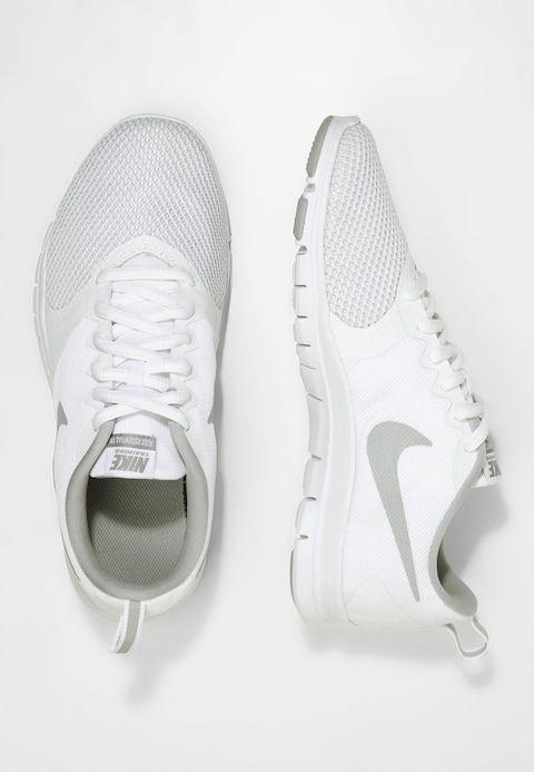 fd823f5fa101 Nike Performance FLEX ESSENTIAL TR - Treningssko - white wolf grey pure  platinum -