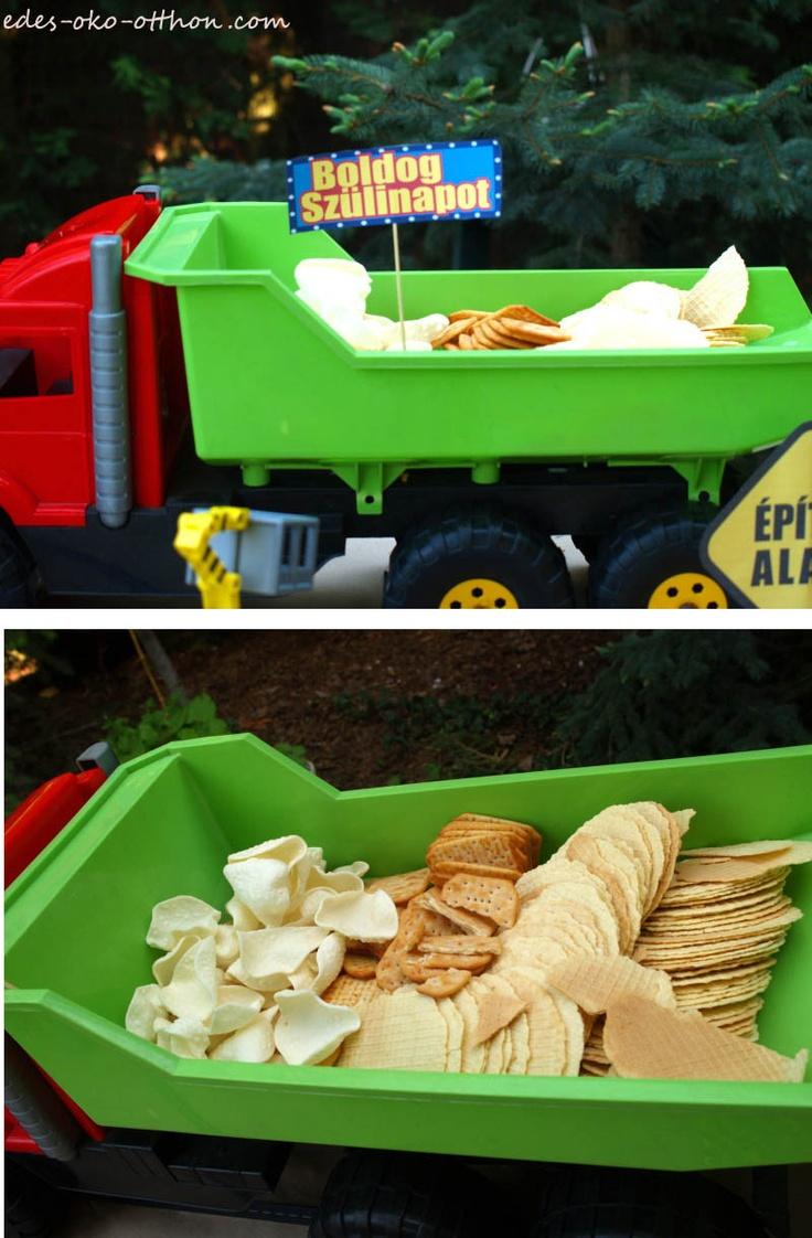 Bob the builder, Under construction party - big toy dumper truck as snack holder