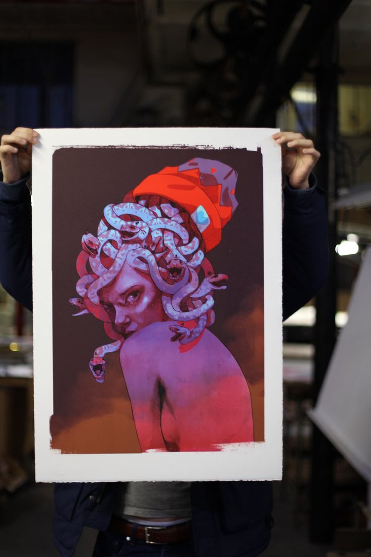 """Exclusive lithograph """"Medusa"""" by the artist Bezt, being printed in Paris, produced by Print Them All. #lithograph #medusa #bezt #contemporaryart #artprinting"""