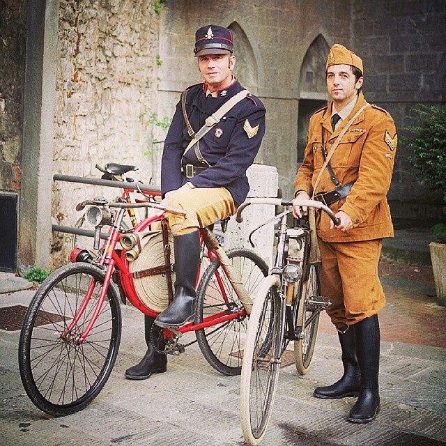 La #bici nella storia.  L'#Eroica #gaioleinchianti in #Toscana #tuscany #Toscana @toskanablog #Tuscany #toskana @great_captures_italia @photooftheday @eroica.cc