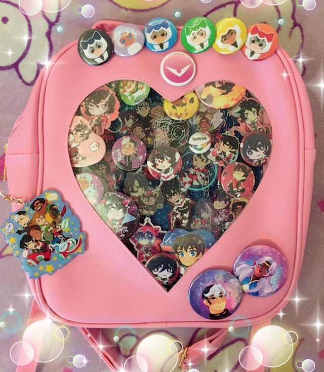 Updated #voltron #itabag  I know this bag isn't big enough for my collection but I wanted this bag really bad so  also maybe since this is chock full I'll stop. Buying so much Voltron stuff lmao