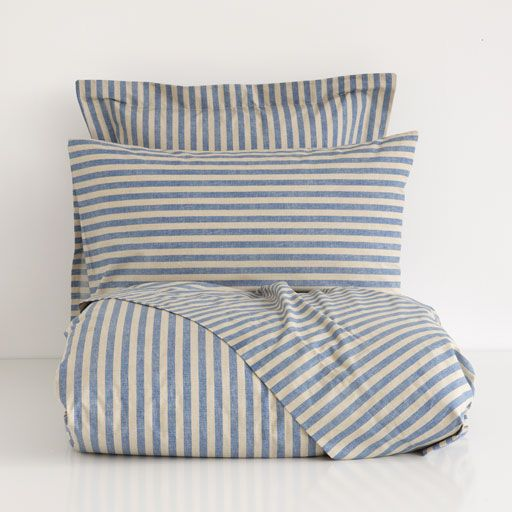 STRIPED PRINT BED LINEN
